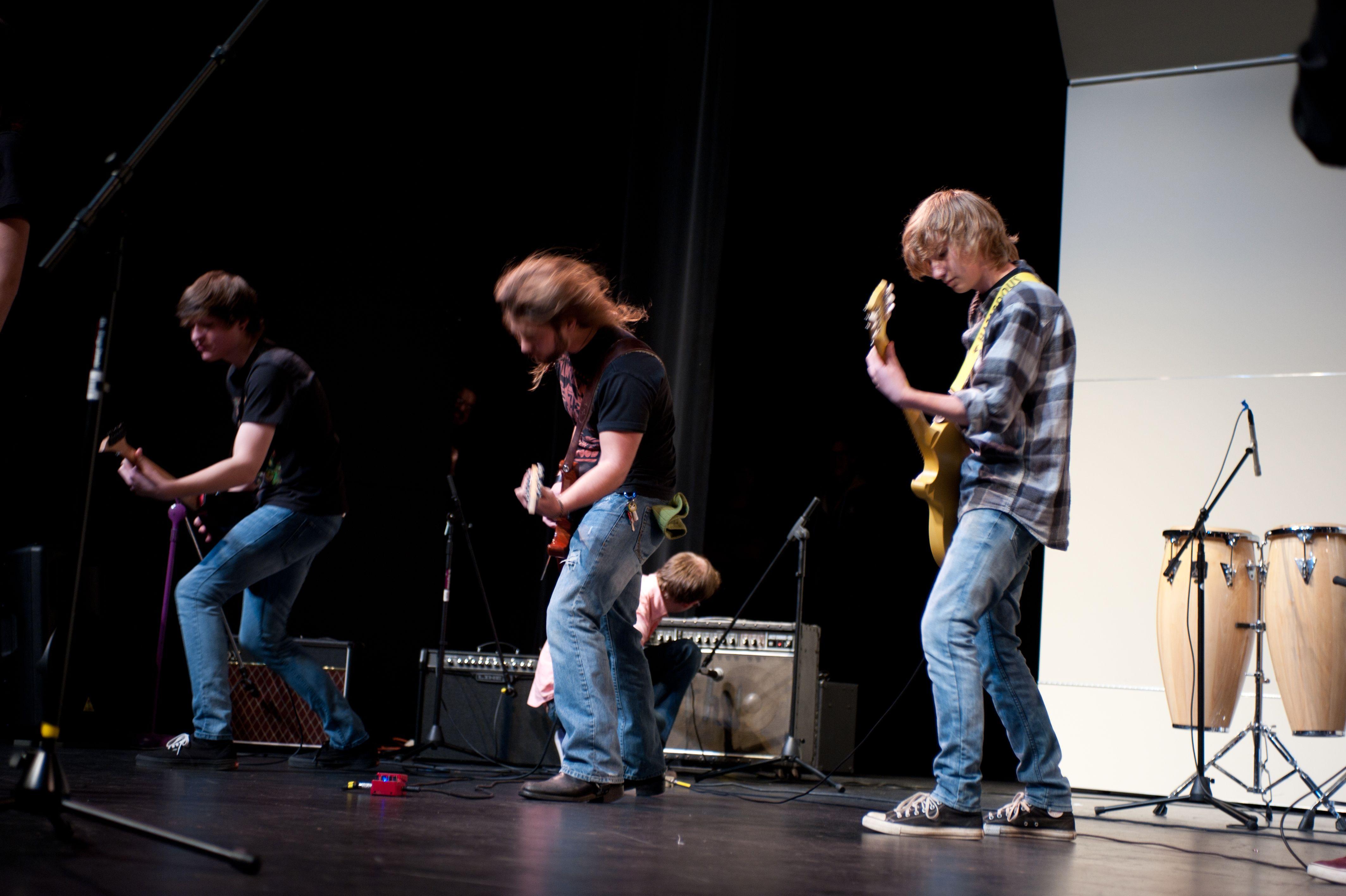 Rockin' guitars at the Autumnal