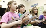 kids-playing-ukulele